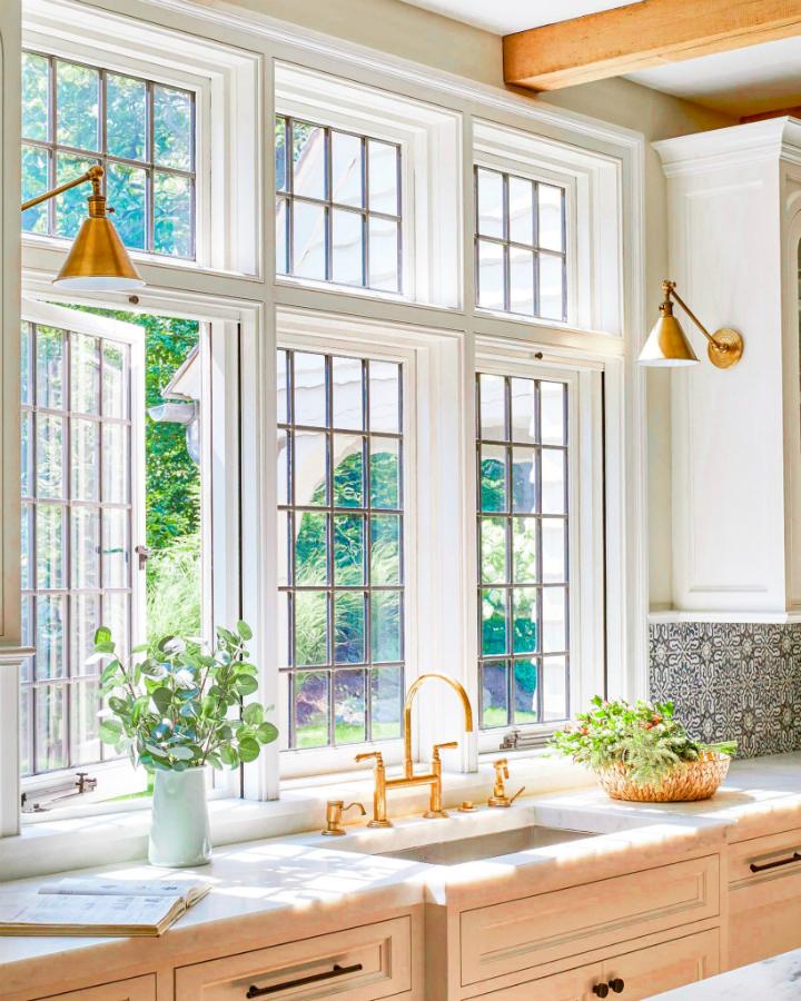 Traditional Home Decor Interiors
