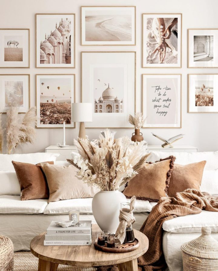 Gorgeous Ways to Decorate Your Living Room With Rich Fall Colors