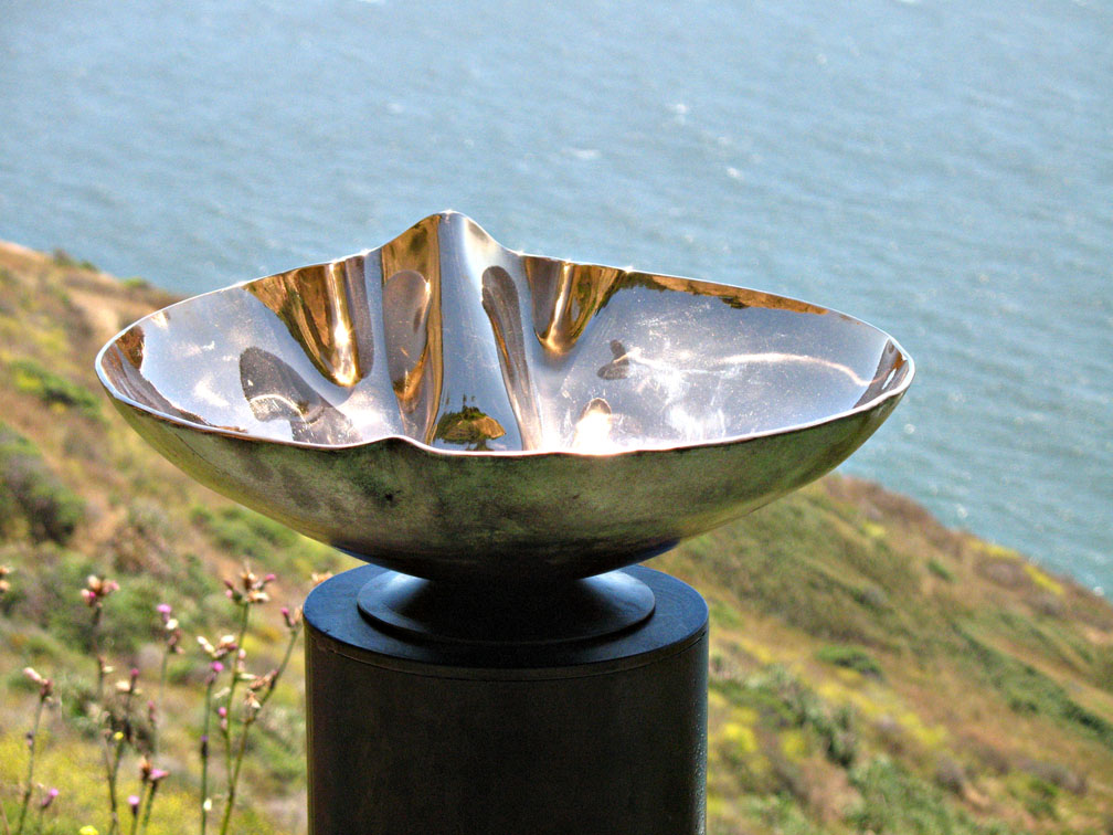 metal Crenelated Bronze sink with mirror finish